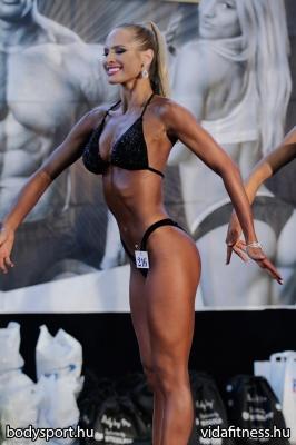 Fitness modell 165 cm felett_103