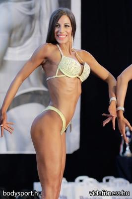 Fitness modell 165 cm felett_113