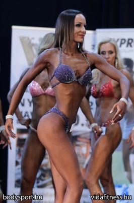 Fitness modell 165 cm felett_119