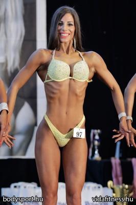 Fitness modell 165 cm felett_128
