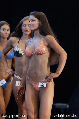 Fitness modell 165 cm felett_165