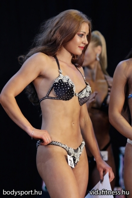 Fitness modell 165 cm felett_203