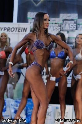 Fitness modell 165 cm felett_23