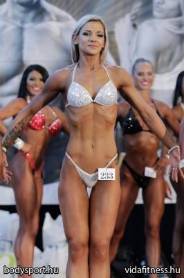 Fitness modell 165 cm felett_56