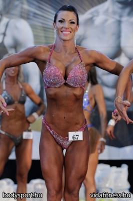Fitness modell 165 cm felett_5
