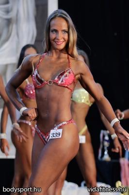 Fitness modell 165 cm felett_80