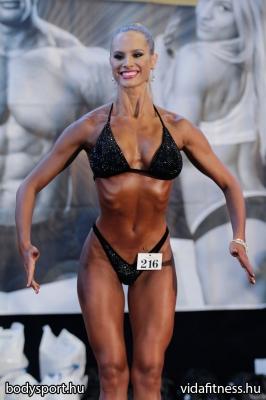 Fitness modell 165 cm felett_94